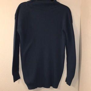 Like new halogen mock neck sweater